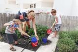 Lanzarote - H10 Suites Lanzarote Gardens, Gärtnern im Kinderclub