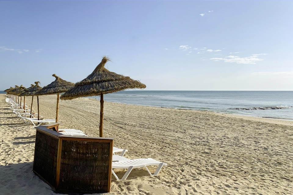 Djerba - ROBINSON Club Djerba Bahiya, Strandliegen