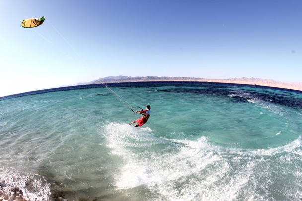 Abu Soma -  Kite Action