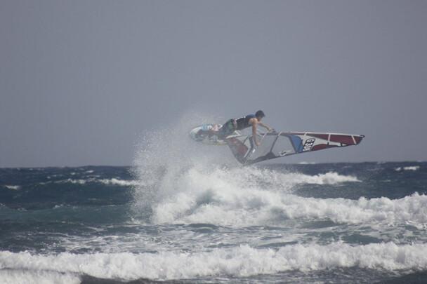 Teneriffa, El Medano, Surfcenter Playa Sur, Jump