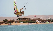 El Gouna - Kite Action vor dem Kiteboarding-Club
