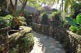 Cabarete, El Magnifico, Gang durch den Garten