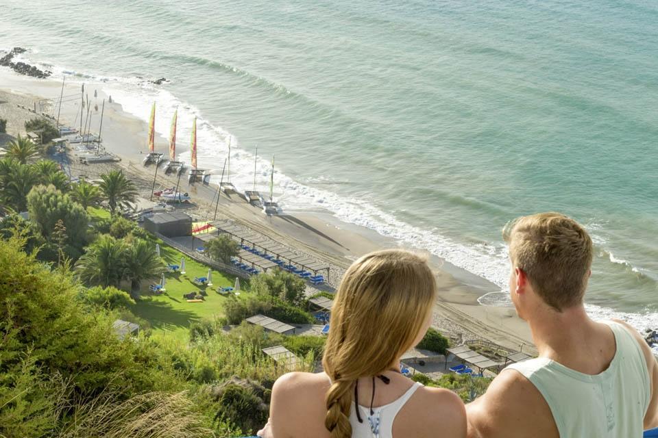 Kos - ROBINSON Club Daidalos, Blick auf die Wassersportstation