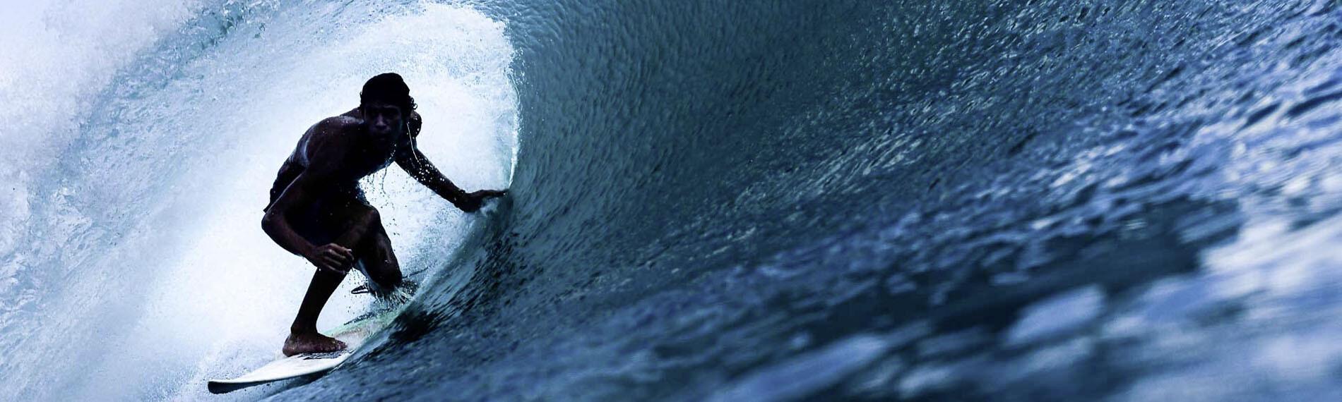 Große Welle surfen