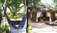 Jericoacoara - Vento de Jeri, Gartenbereich mit Liegen