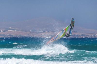 Naxos - Flisvos Surf Action (Premium Center)