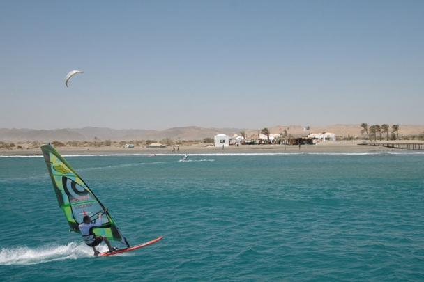El Naaba - Kite und Surfspot