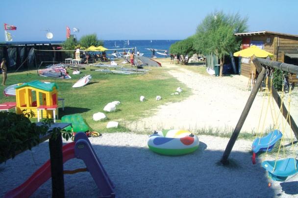 Samos - Surf Center mit Spielplatz