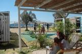 Sigri - Lesbos, Sigri Surfcenter, Relaxen mit Blick auf die Bucht.